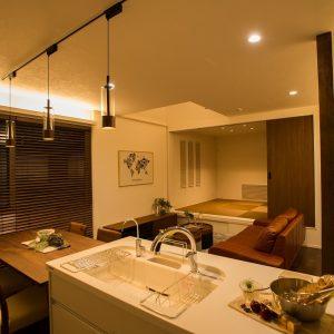 LDK 優しい照明|高知県土佐市Y様の注文住宅施工実績 こだわりが詰まったお家