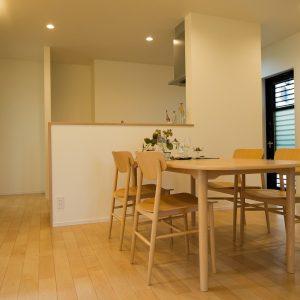 室内内観1|高知県土佐市A様邸注文住宅施工実績 ガレージのあるL型の家