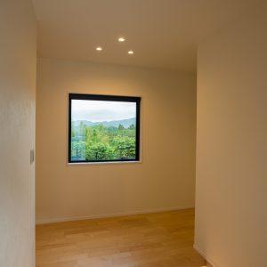 室内内観3|高知県土佐市A様邸注文住宅施工実績 ガレージのあるL型の家